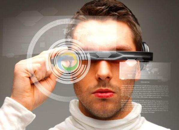 未来的隐形眼镜能够上网