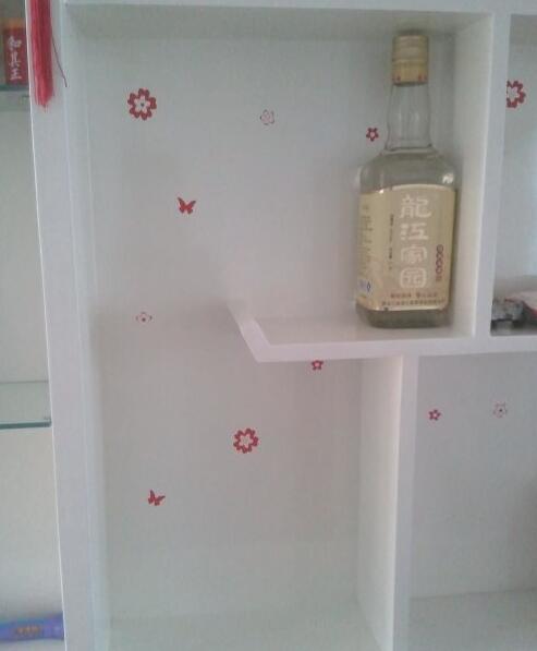 悬挂装饰收纳瓶的美观做法